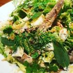 BISTRO CHAP - 千葉県産セグロイワシのオイルサーディンとミモレットのサラダ