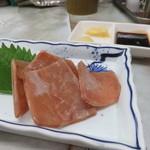 多田屋 - 鯨の赤身さしみ