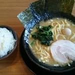 横浜家系ラーメン 久米川商店 -
