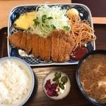 71253690 - トンカツ定食 豚汁付930円