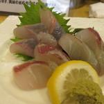 居酒屋茶々 - 明石昼網鮮魚二種盛り合わせ