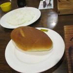 ウッドストック - 自家製パン(コッペパンのような感じ)