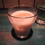ポポロ - ドリンクバーでラッシーが飲めます