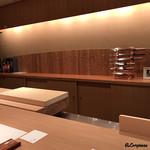 祇園 岩元 - カウンターの風情