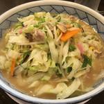 野菜が美味しい鶏豚ラーメン まる重 -
