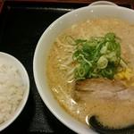 麺屋たけぞう - 料理写真:味噌ラーメン、小ライス