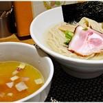 71275108 - 鯛昆布水つけ麺 味玉付き 1000円 鯛と昆布と鴨!3つの旨味が堪能できるつけ麺です♪