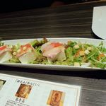71277355 - 豆腐と海鮮のサラダ