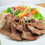 ロヂウラ食堂 - 食べ応え十分「牛タン定食」