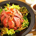 ロヂウラ食堂 - 肉好き「アンガス牛ステーキ丼」