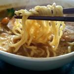 71284703 - 麺は 太麺 or 細麺 選択可。これは「太麺」