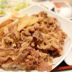 ごっつ食べなはれ - 国産牛のすき焼き風牛丼 980円(ドコにも書いてネエけど税別)