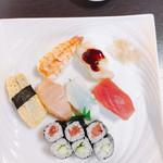 桜ずし - 料理写真:握り寿司ランチ*トロ入り♪