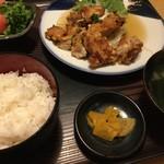 71287486 - 本日の日替わり定食 油淋鶏