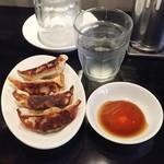 ちょもらんま酒場 - 醤油らーめんと餃子セット950円