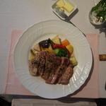 うさぎの小屋 - ランチ メイン肉料理