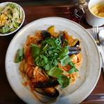 71291990 - 海の幸と野菜のトマトソース