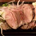 炭焼き 九州創作酒場 焼肉 はぐるま - まるみ豚の極上ヒレ肉炭火焼き(ハーフ) 680円