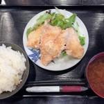 まんま - 鶏の唐揚げ定食(100g) 500円