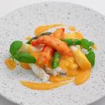 新広東菜 銀座 嘉禅  - 料理写真:タラバ蟹とホワイトアスパラの炒め 珊瑚に見立てた蟹の卵のクラブソース