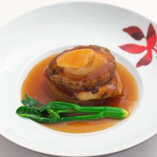 伝統的な広東料理の技法を、嘉禅スタイルでお届け。
