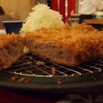 薩摩 茶美豚 とんかつ 花 -