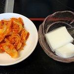 好味苑 - 好味苑 @本蓮沼 日替わりランチに付く白菜キムチと杏仁豆腐