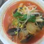 中華料理 普門 - 辛いチャンポン海産がたっぷり入りスープが濃厚な味です。
