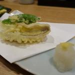 71303125 - 連れのお刺身定食DXの天ぷら