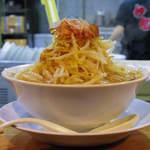 神起 - ラーメン200g 野菜をチョイまし、カツオマシ 700円