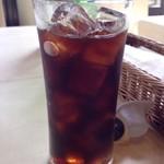 ピッツェリア ナオ - ◆ドリンクは珈琲・紅茶から選べますので、アイスコーヒーを。 これも良心的な量ですね。