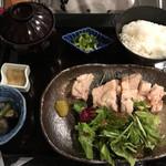 村民食堂 - 鶏の塩麹蒸し定食【1560円】