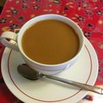 サンガム - 食後のホットコーヒー、熱々です
