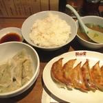 71310659 - 水餃子&焼餃子&大ライス