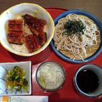71311407 - うなぎ丼と麺