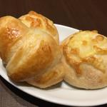鎌倉パスタ - 料理写真:クロワッサン、チーズパン
