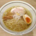 らぁ麺 紬 - あっさり塩ラーメン ¥780  チャーシュー・メンマ・煮玉子・ネギ・柚子皮