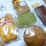 キュイソン ルカ - 料理写真:焼き菓子は5種類