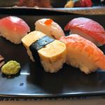71319794 - 牛ステーキと握り寿司御膳                       サビ抜きで提供されますから子供さんも安心