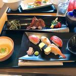 71319799 - 牛ステーキと握り寿司御膳全景