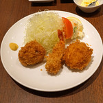 旬香亭 - ひとくちヒレカツ、海老フライ、カニクリームコロッケ