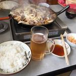 赤のれん - バラ焼き定食全景+ノンアルコールビール
