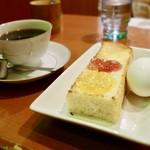 71333222 - [2017/07]ブレンドコーヒー(430円)+モーニングサービス(無料*) * 7時から11時まで