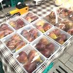ひょうごイナカフェ - これは、表の風景、加古川志方の大きな無花果が入荷し始めました♪(2017.8.11)