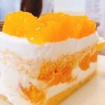 71338447 - オレンジのショートケーキ@670円