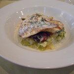 ビストロ ラパンドール - 本日の魚料理(真鯛)