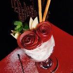 テイストシックス - 大人のパフェ!薔薇をあしらった飾りと、リキュールの香りがまたオサレ♪