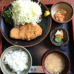 集楽亭 - とんかつ定食(並)¥1200