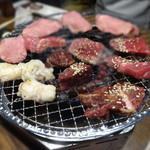 徳川ホルモンセンター - 網の上は肉祭り♪