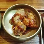 青鶴洞 - 唐揚げの衣のような食べ物